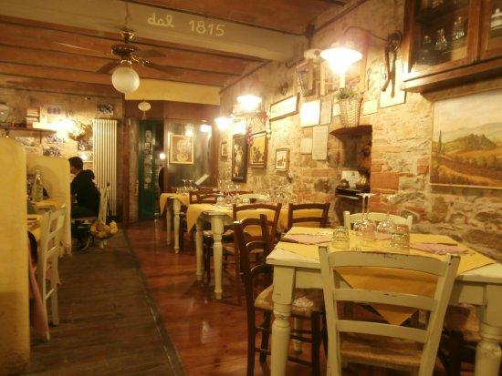 Barberino Val d'Elsa, Italie : L'interno del ristorante
