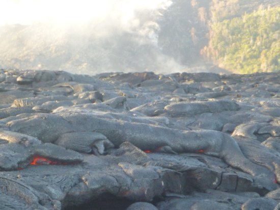 Pahoa, HI: Surface lava flow