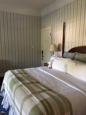 Hot Springs, VA: Room 1286