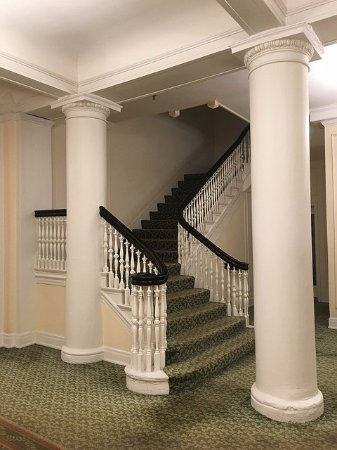 Hot Springs, VA: One of the many stairways in the labyrinthine hallways