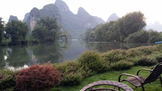 Yangshuo Mountain Retreat: Aussicht Garten