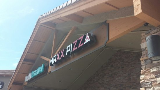 Murrieta, CA: Maxx Pizza Co.