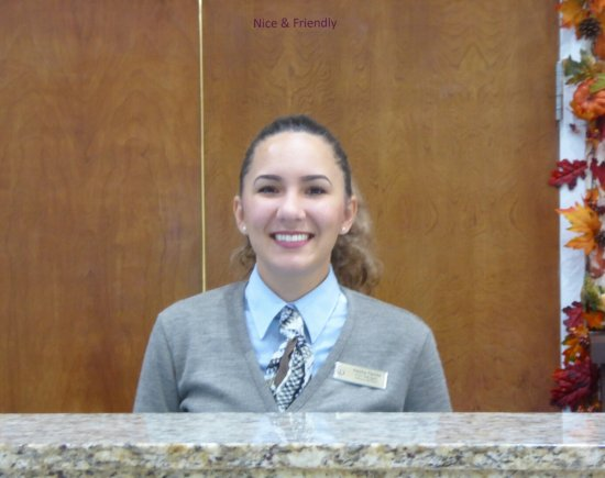 Polynesian Isles Resort: Not smiling just for the photo -- service was always with a smile!
