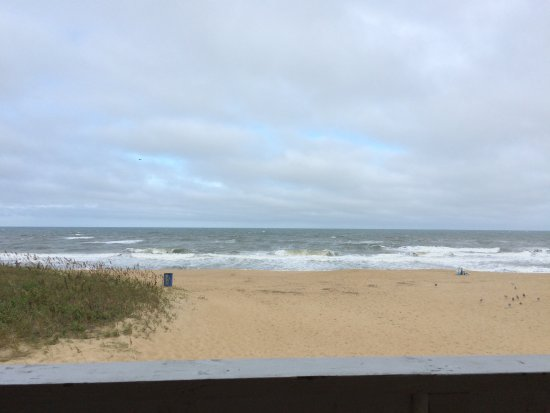 Outer Banks Motor Lodge: Huge room and gorgeous view