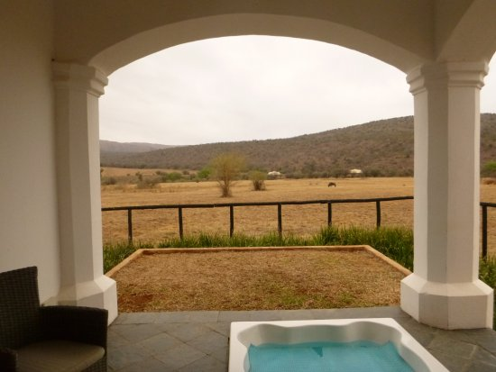 Modimolle (Nylstroom), Sudáfrica: Boutique room with outdoor jacuzzi tub