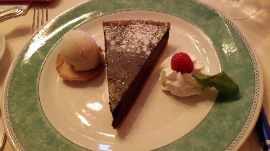 Great Falls, VA: Chocolate Pie Dessert