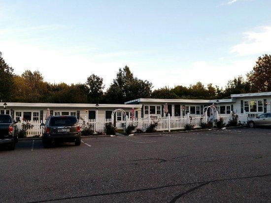 Claddagh Motel & Suites: IMG-20160928-WA0019_large.jpg