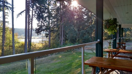 Camano Island, WA: Gotta love the patio view