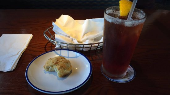 Cayce, SC: Cheddar Bay Biscuits