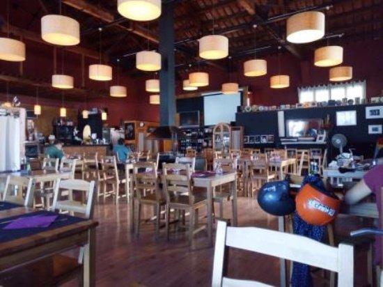 Premia de Dalt, สเปน: Interior restaurante