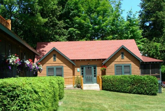 Schroon Lake, NY: Chamlar Lakefront Family Resort & Cottages