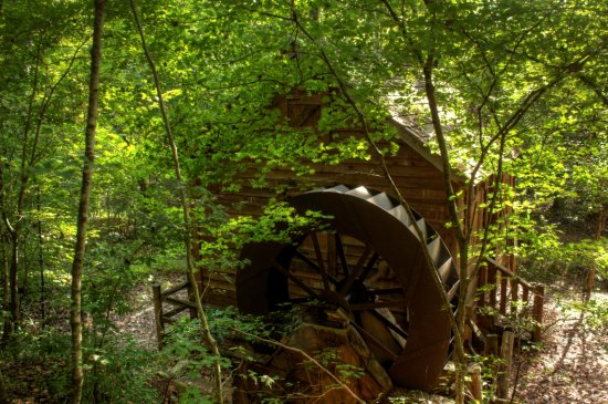 Anne Springs Close Greenway: Grist mill water wheel