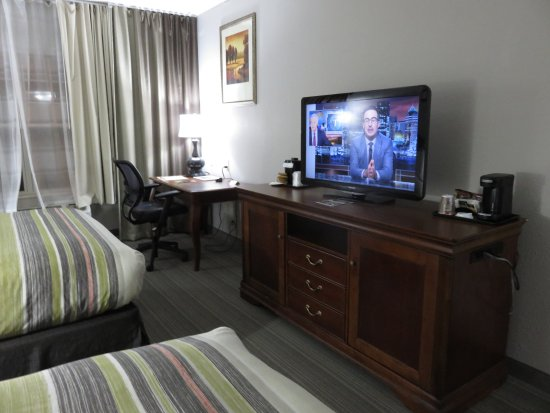 Country Inn & Suites By Carlson, Lexington: Nicely furnished room