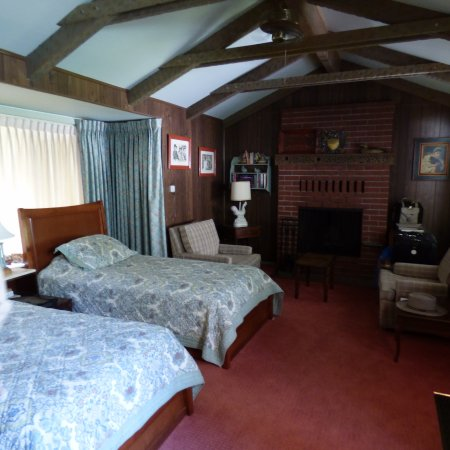 Sutter Creek Inn: Feel of a cabin