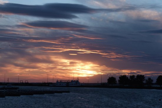 Leamington, Kanada: A Typical marina Sunset