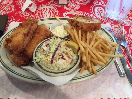 Reedsport, Oregón: Fish and chips