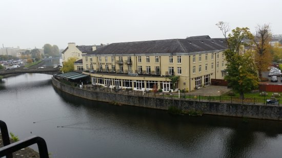 Kilkenny, Irland: Across the River Nore