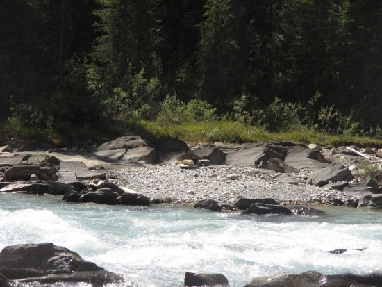 Panorama, Canada: Its the rver going thru the property where white water rafting takes place