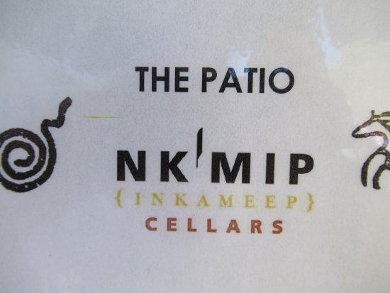 โอซอยออส, แคนาดา: NK'MIP restaurant on the patio