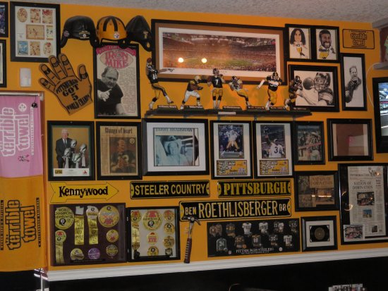 huge selection of ab687 971b7 The walls are covered with Steelers memorabilia - Picture of ...