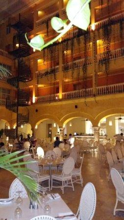Charleston Cartagena Hotel Santa Teresa: 20160927_193131_large.jpg