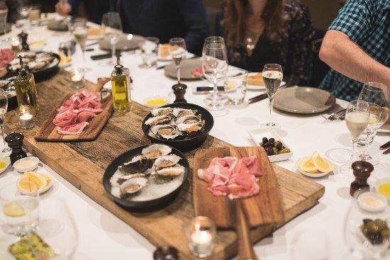 Brighton, Australia: Guests enjoying a wonderful meal