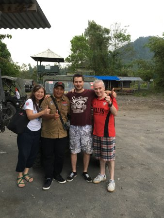 Слеман, Индонезия: Thanking our driver after our adventure