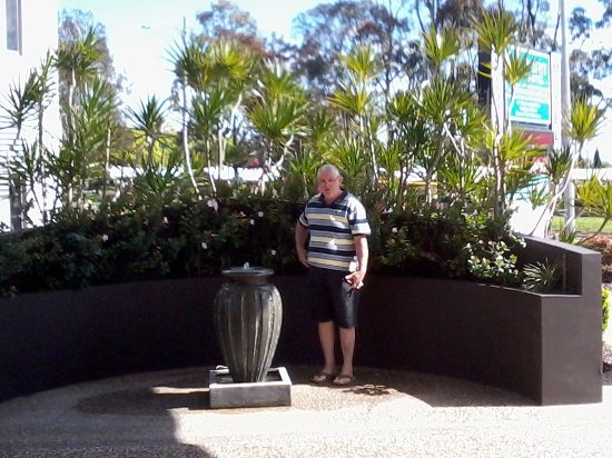 Toowoomba, Avustralya: This garden wall and water feature greats you as arrive at Reception
