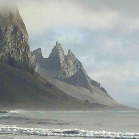 Hofn, Island: mountains