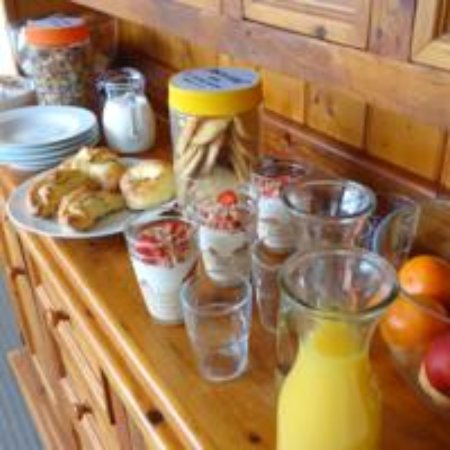 Dover, Australien: Continental breakfast goodies