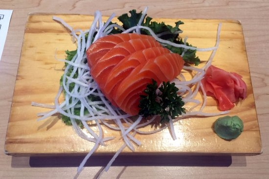 Aurora, Canadá: Salmon Sashimi