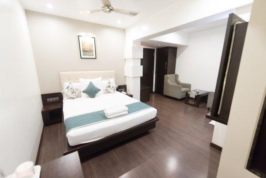 Hotel Le Grande Mumbai Review