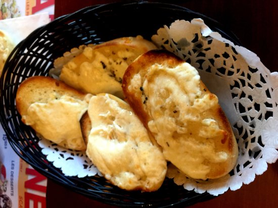 Cornwall, Canadá: Oven-baked Garlic Bread