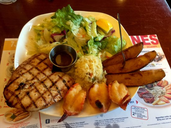 Cornwall, Canada: Chicken Breast & Butterfly Shrimp