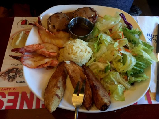 Cornwall, Canada: Pork Fillets & Butterfly Shrimp