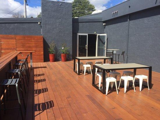 Bright, Australie : Alfresco dining