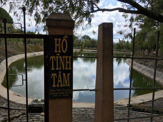 Thien Vien Truc Lam: Tinh Tam lake