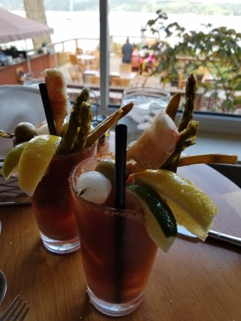 Union, WA: bloody mary - now with crab!!!
