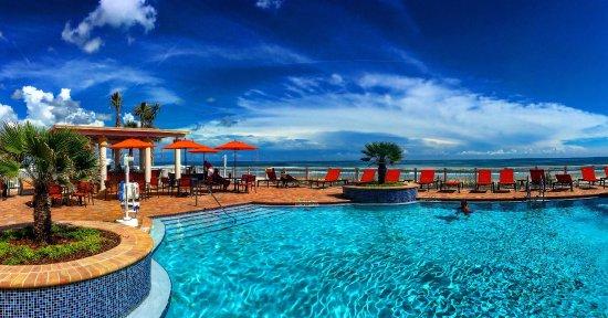 hilton garden inn daytona beach oceanfront pool area - Hilton Garden Inn Daytona Beach