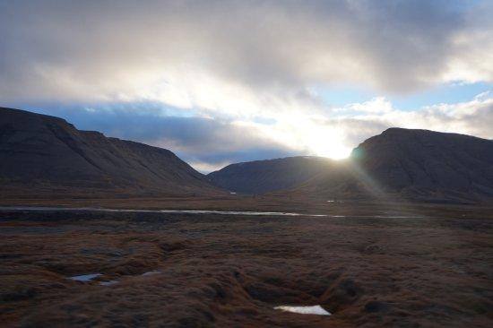 Лонгйирбиен, Норвегия: Sunset