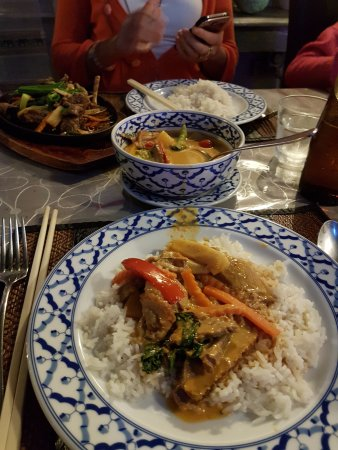 Burleigh Heads, Australia: Thai Red Curry Duck with coconut rice