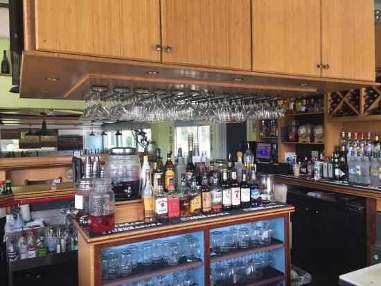 Mattapoisett, MA: Bar