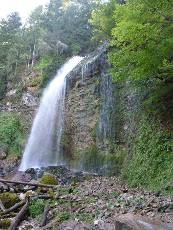 Saint-Pierre-d'Entremont, Prancis: La pisse du Guiers