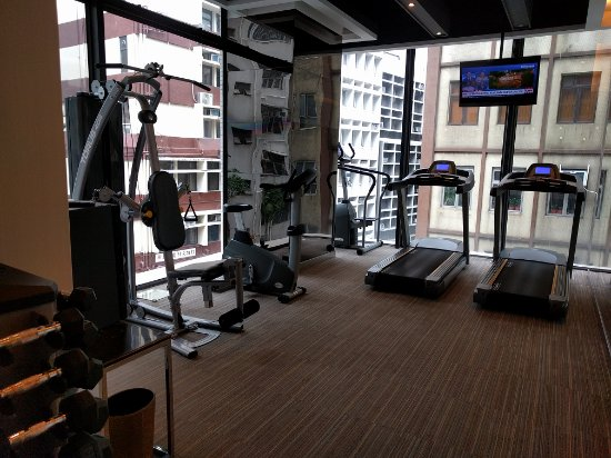 The Mercer Hong Kong: gym/fitness room. its all you see here so dont expect too much.