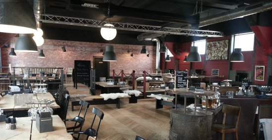 Moutier, Switzerland: Brasserie Café l'Indus