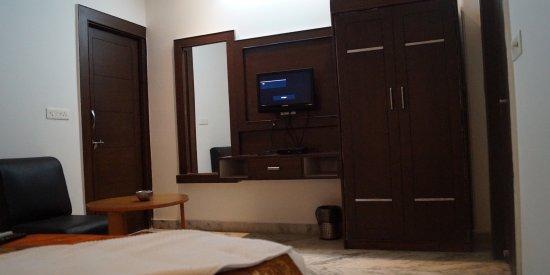 Optimum Rooms Tara Palace @ Taj: Room Dining