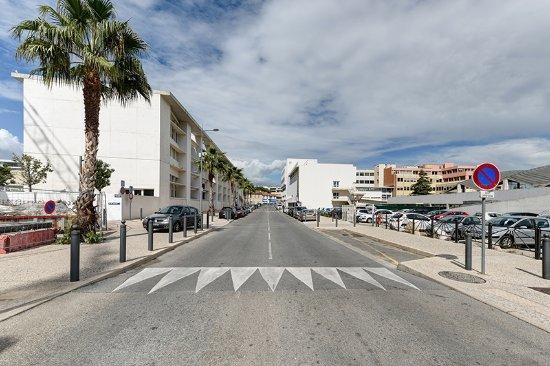 Appart 39 city confort la ciotat c t port hotel france for Tarif appart city