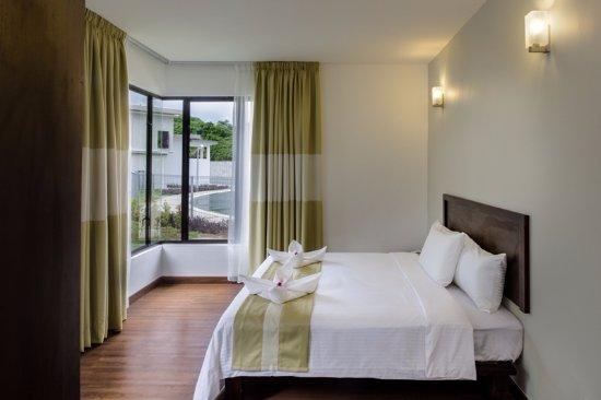 Bentong, Μαλαισία: Jacuzzi Villa Room - Bedroom