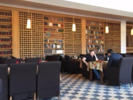 Mecavnik: lovely Vizcont Dining room