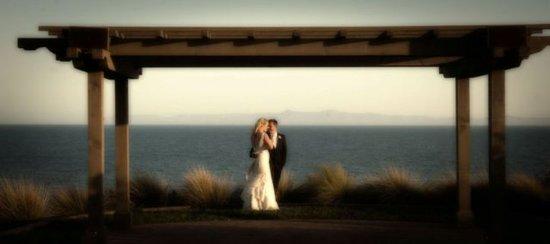 Rancho Palos Verdes, แคลิฟอร์เนีย: Terranea_Wedding_Catalina_Point_Winston-D'Angelo